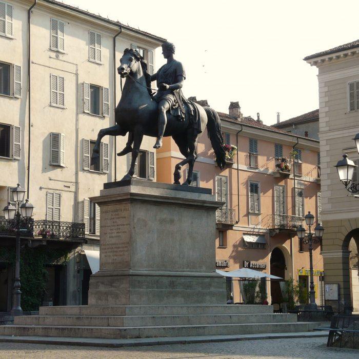 Casale_Monferrato-piazza_Mazzini6